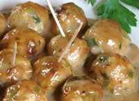 Chicken Satay Meatballs with Peanut Sauce