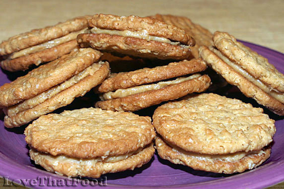 Oatmeal Sandwich Cookies With Creamy Peanut Butter Filling ...