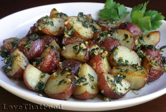 Roasted Red Potatoes With Garlic And Thyme
